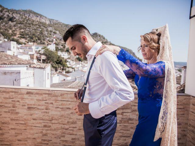 La boda de Juanmi y Yoli en Ubrique, Cádiz 9