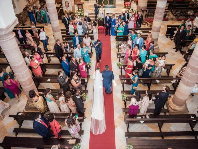 La boda de Juanmi y Yoli en Ubrique, Cádiz 15