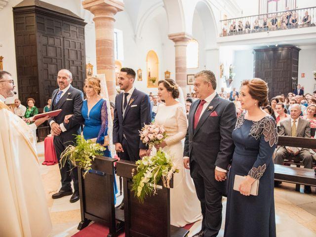 La boda de Juanmi y Yoli en Ubrique, Cádiz 16