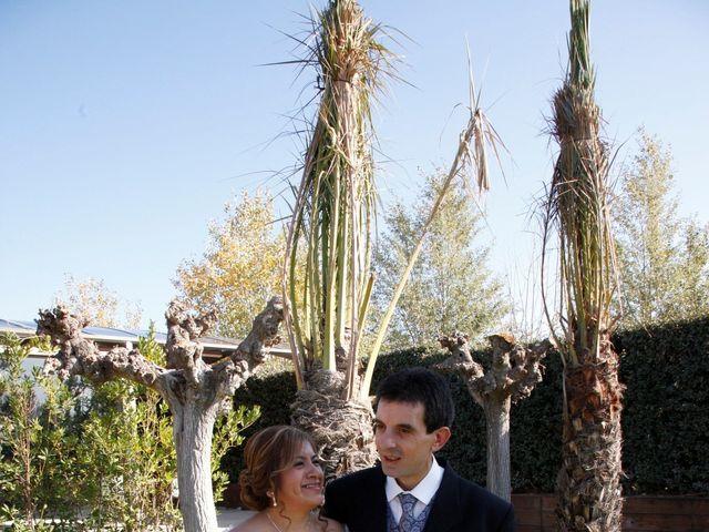 La boda de Fernando y Milagros en Zaragoza, Zaragoza 3