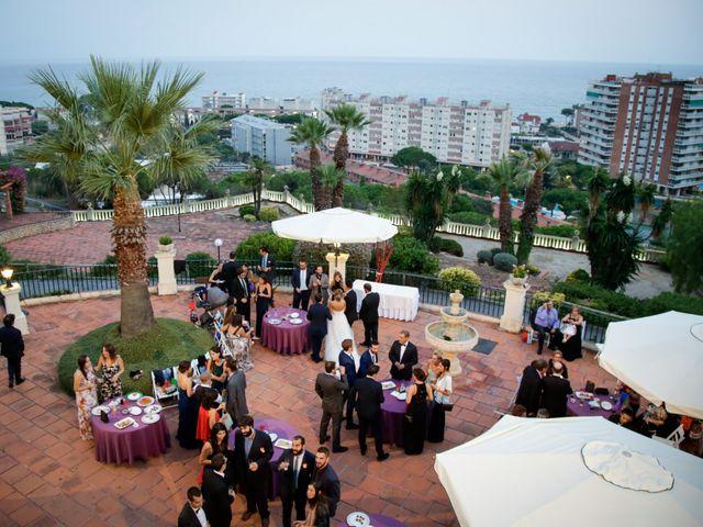 La boda de Carlos y Mireia en Sant Vicenç De Montalt, Barcelona 22