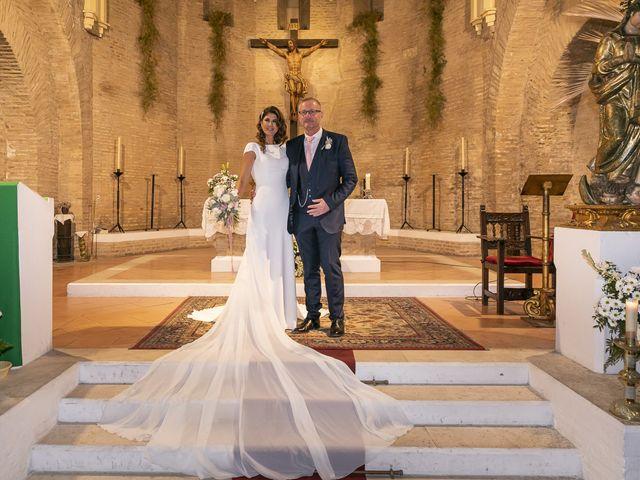 La boda de Gareth y Marta en Sevilla, Sevilla 31