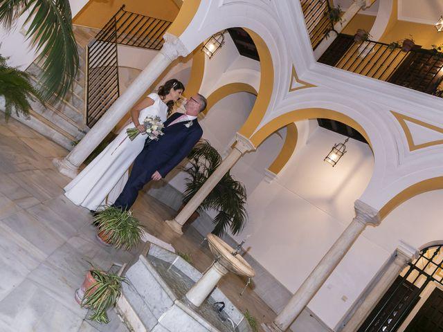 La boda de Gareth y Marta en Sevilla, Sevilla 32