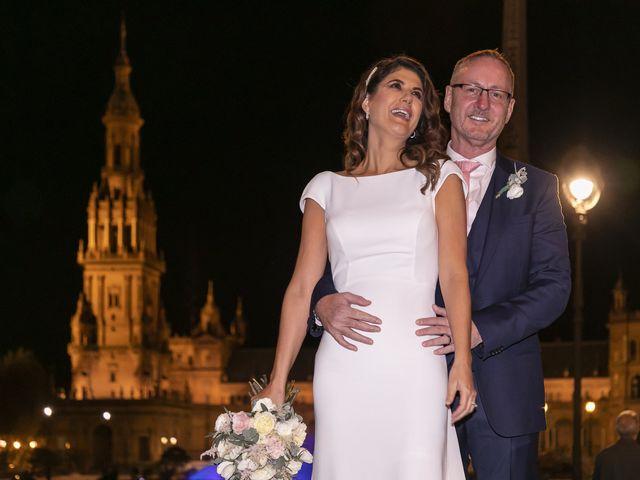 La boda de Gareth y Marta en Sevilla, Sevilla 40