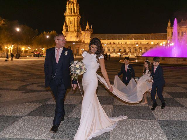 La boda de Gareth y Marta en Sevilla, Sevilla 42