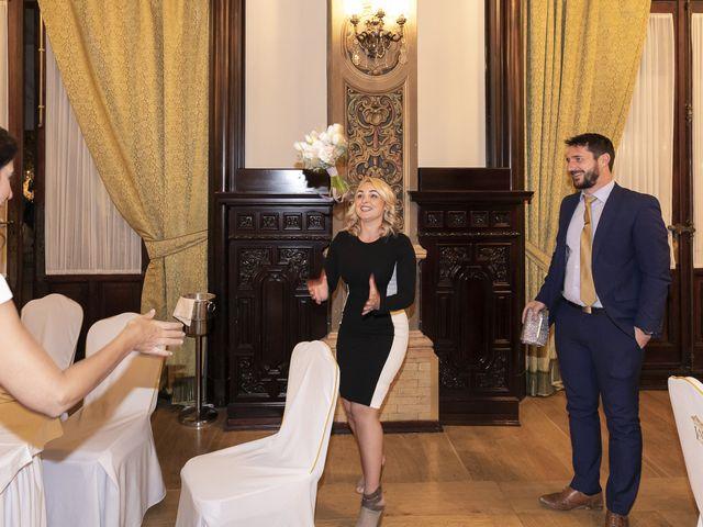 La boda de Gareth y Marta en Sevilla, Sevilla 54