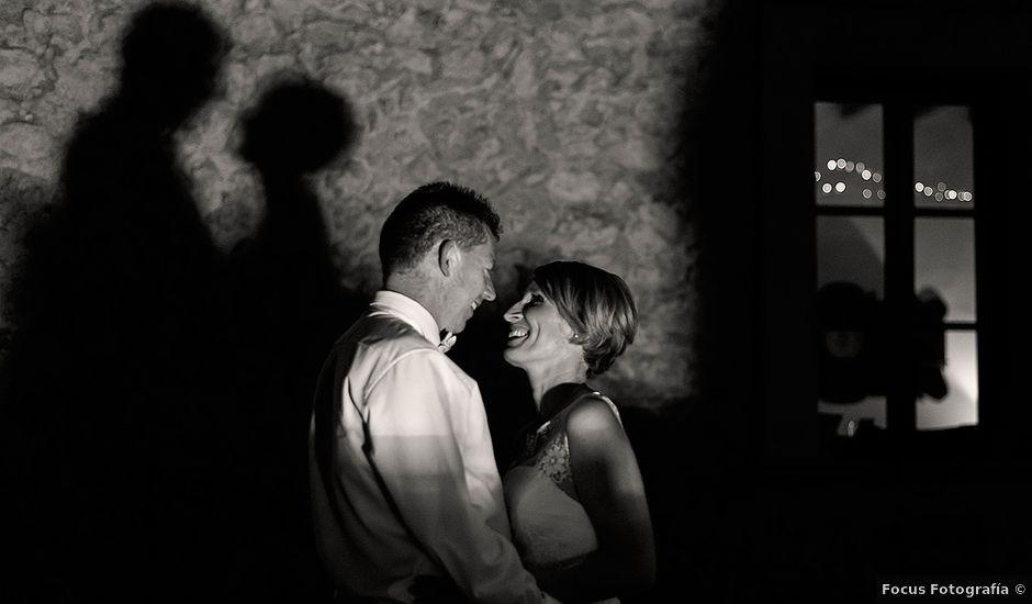 La boda de Mikel y Dorothy en Bunyola, Islas Baleares