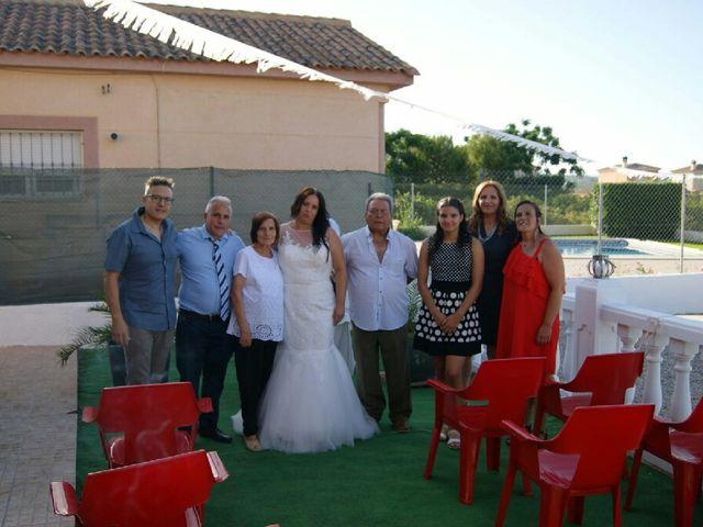 La boda de José  y Isa  en La Pobla De Vallbona, Valencia 2