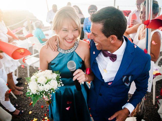 La boda de Fran y Alexandra en Santa Cruz De Tenerife, Santa Cruz de Tenerife 28