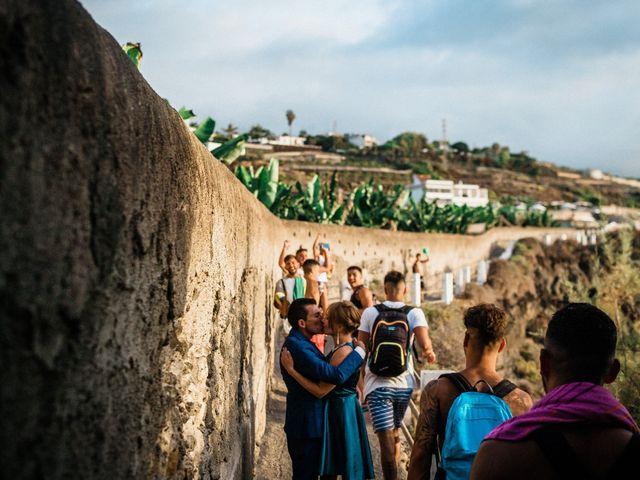 La boda de Fran y Alexandra en Santa Cruz De Tenerife, Santa Cruz de Tenerife 41