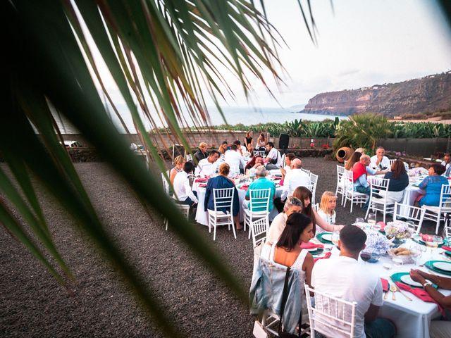 La boda de Fran y Alexandra en Santa Cruz De Tenerife, Santa Cruz de Tenerife 48