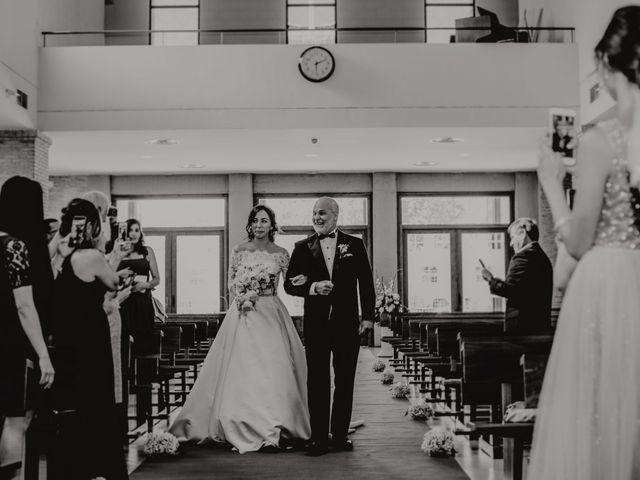 La boda de Fernando y Maripily en San Sebastian De Los Reyes, Madrid 118
