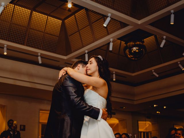 La boda de Fernando y Maripily en San Sebastian De Los Reyes, Madrid 236
