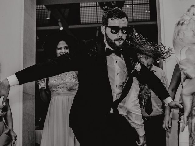 La boda de Fernando y Maripily en San Sebastian De Los Reyes, Madrid 291