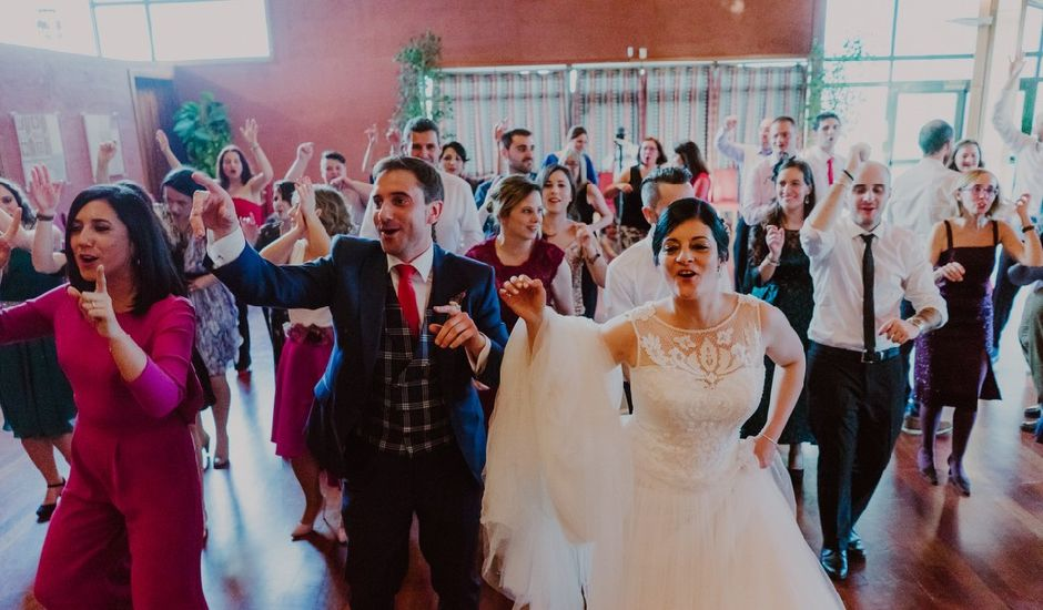 La boda de Zarina y Diego en San Cucao, Asturias