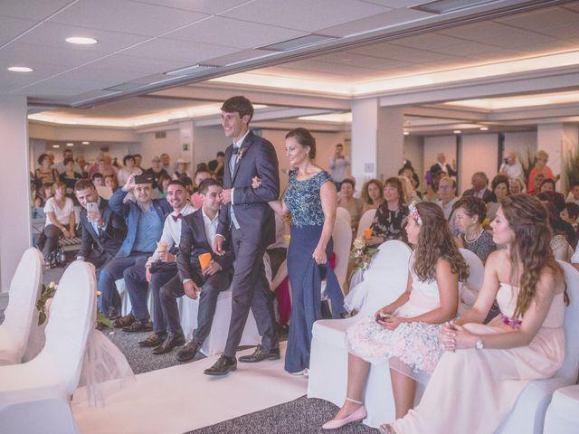 La boda de Abraham y Naiara en Donostia-San Sebastián, Guipúzcoa 15