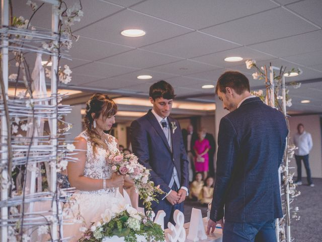 La boda de Abraham y Naiara en Donostia-San Sebastián, Guipúzcoa 21