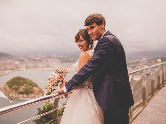La boda de Abraham y Naiara en Donostia-San Sebastián, Guipúzcoa 42