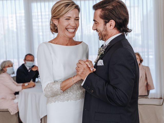 La boda de Miguel y Virginie en Valencia, Valencia 33