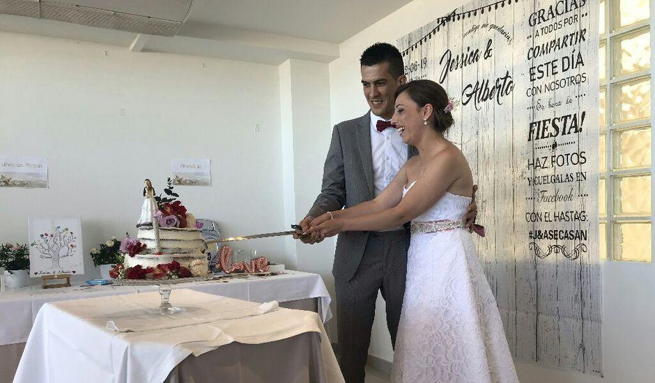 La boda de Alberto y Jessica en Valencia, Valencia
