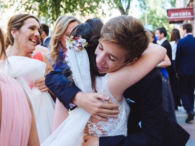 La boda de Manuel y Blanca en Madrid, Madrid 30
