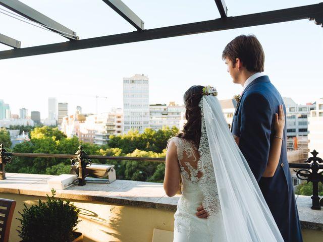 La boda de Manuel y Blanca en Madrid, Madrid 39