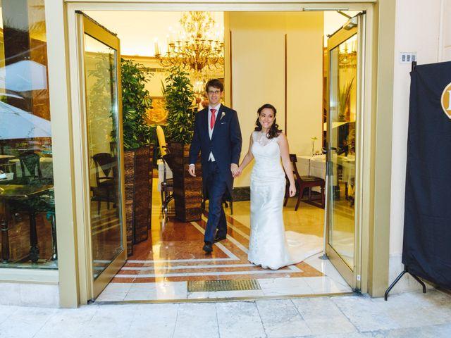 La boda de Manuel y Blanca en Madrid, Madrid 41