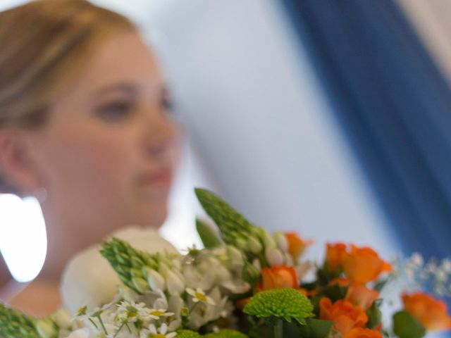 La boda de Toni y Pati en Viladavil (Santa Maria), A Coruña 16