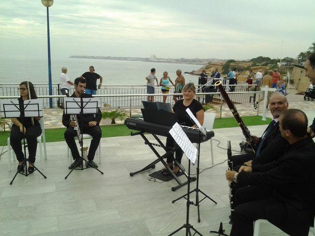 La boda de Javier y Daniela en Torrevieja, Alicante 6