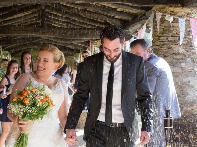La boda de Toni y Pati en Viladavil (Santa Maria), A Coruña 32