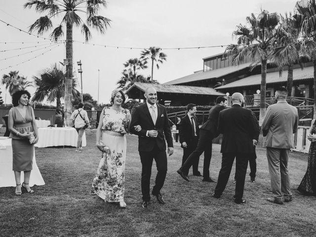La boda de Chiqui y Andrea en Roquetas De Mar, Almería 39