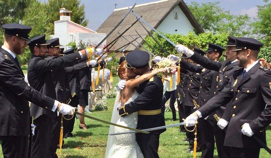 La boda de Roberto y Cristina en Catarroja, Valencia