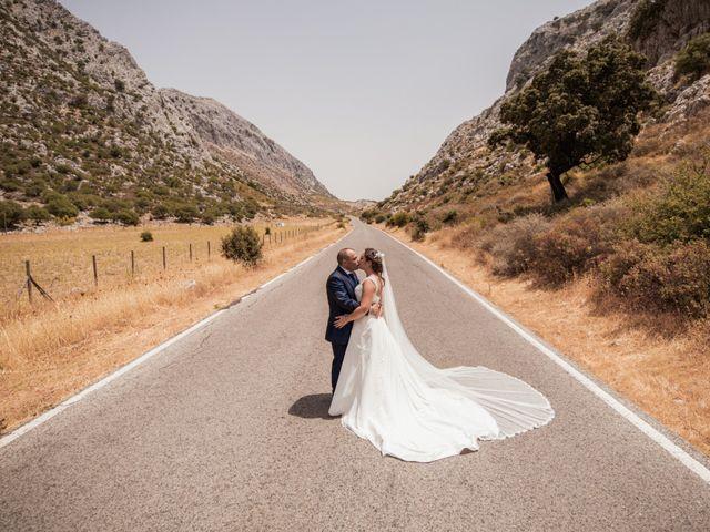 La boda de Manolo y Rocío en Villaluenga Del Rosario, Cádiz 2