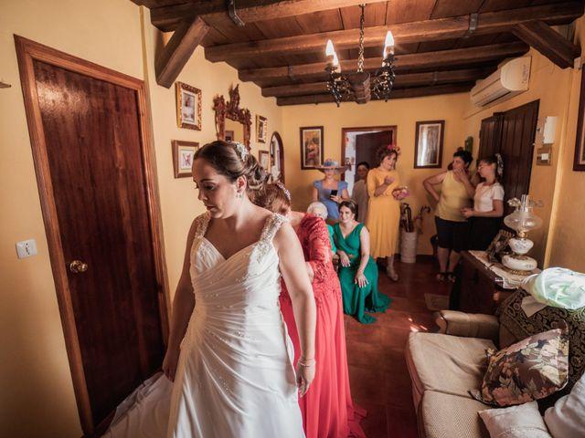La boda de Manolo y Rocío en Villaluenga Del Rosario, Cádiz 11