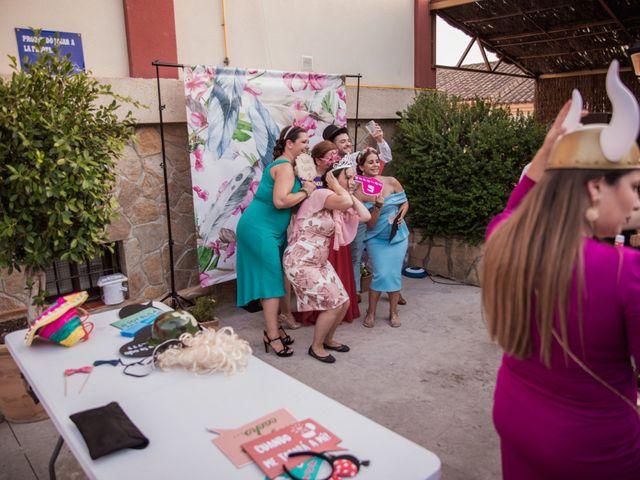 La boda de Manolo y Rocío en Villaluenga Del Rosario, Cádiz 29