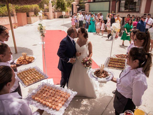 La boda de Manolo y Rocío en Villaluenga Del Rosario, Cádiz 32