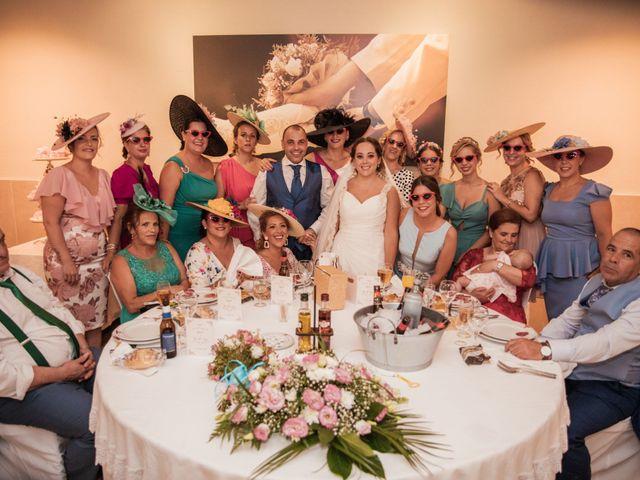 La boda de Manolo y Rocío en Villaluenga Del Rosario, Cádiz 36