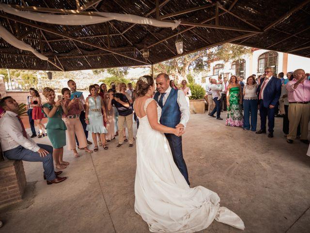 La boda de Manolo y Rocío en Villaluenga Del Rosario, Cádiz 38