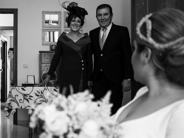 La boda de César y Beatriz en La Carlota, Córdoba 23