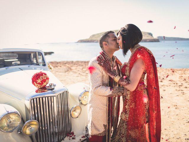 La boda de Ish y Naz en Cala Conta, Islas Baleares 12