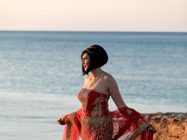 La boda de Ish y Naz en Cala Conta, Islas Baleares 14