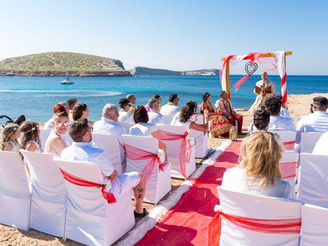 La boda de Ish y Naz en Cala Conta, Islas Baleares 1