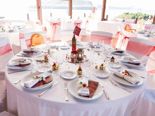 La boda de Ish y Naz en Cala Conta, Islas Baleares 21