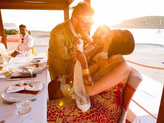 La boda de Ish y Naz en Cala Conta, Islas Baleares 22