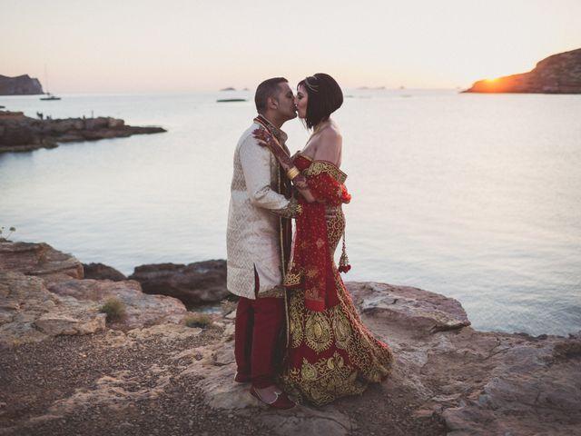 La boda de Ish y Naz en Cala Conta, Islas Baleares 24
