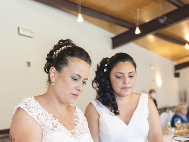 La boda de Fernanda y Maria en Naveces, Asturias 16