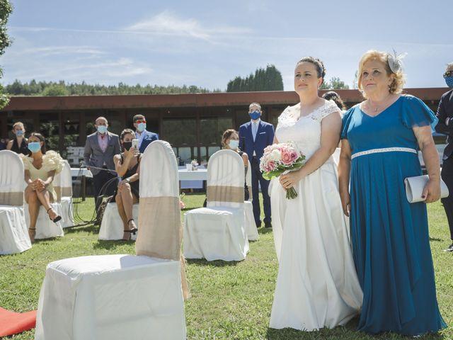 La boda de Fernanda y Maria en Naveces, Asturias 20