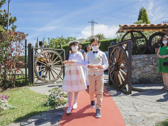 La boda de Fernanda y Maria en Naveces, Asturias 21