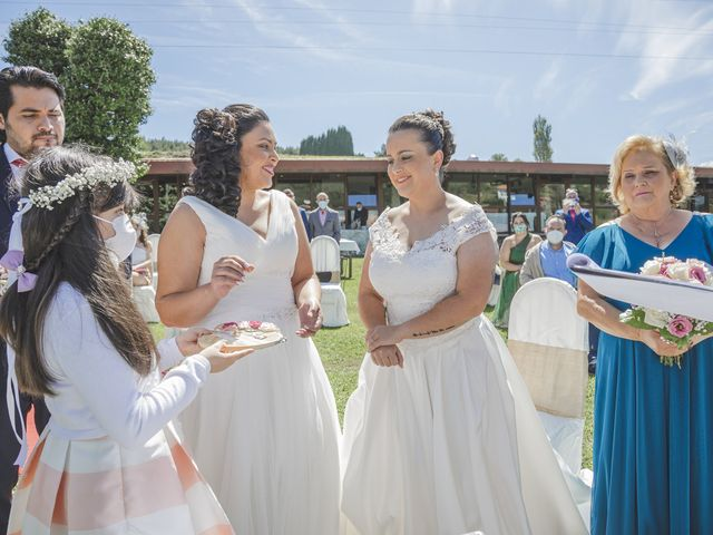 La boda de Fernanda y Maria en Naveces, Asturias 24