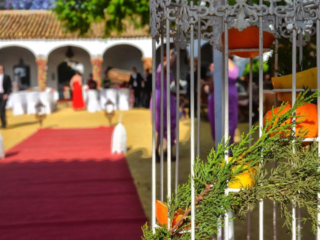 La boda de Rafael y Macarena en Alcala De Guadaira, Sevilla 4